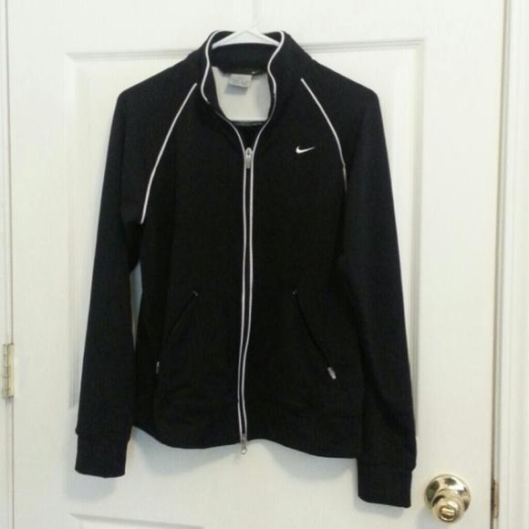 8f086528d4f8 Reduced nike black dri fit zip up jacket. M 535aa7753a3efc30450fac73