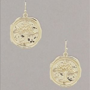 Jewelry - Tree of life hammered gold tone earrings