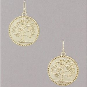 Jewelry - Gold tone tree of life earrings