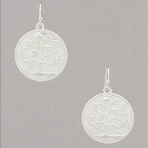 Jewelry - Matte silver tree of life earrings