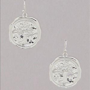 Jewelry - Rhodium tone hammered tree life earrings