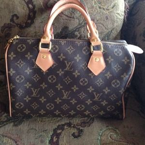 Handbags - Louis Vuitton monogram speedy 30! Available!