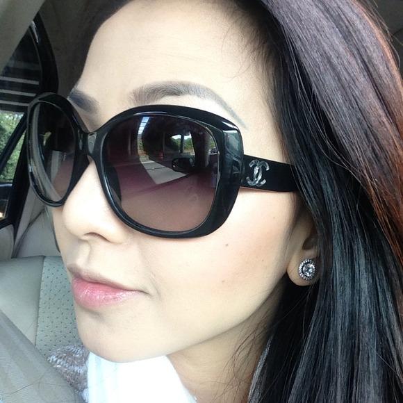 e66a0cf662 CHANEL Accessories - 100% Authentic Chanel CC sunglasses
