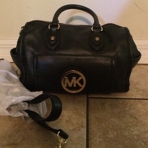 df2524c74066 Michael Kors Bags | Sold On Vinted Authentic Margo Bag | Poshmark