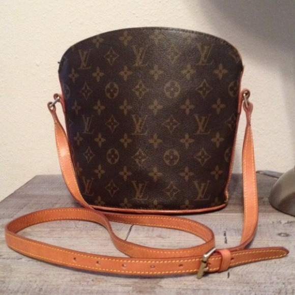 d88751664e85 Louis Vuitton Handbags - TRADED🎉Louis Vuitton Drouot Crossbody Purse💯AUTH
