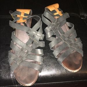 7FAM leather strappy sandals
