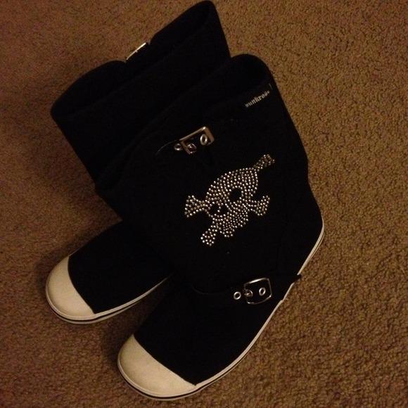punkrose Shoes - Black 'Punkrose' with skull detail
