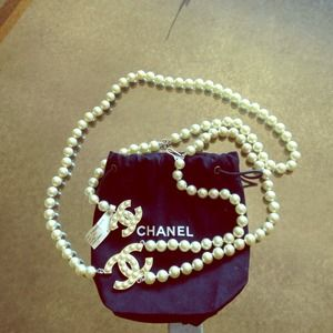 Authentic CHANEL Pearl Chain belt/Necklace.