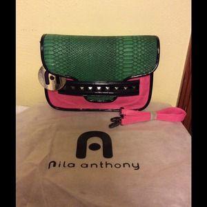 Nila Anthony Handbags - Nila Anthony Colorblock Crossbody