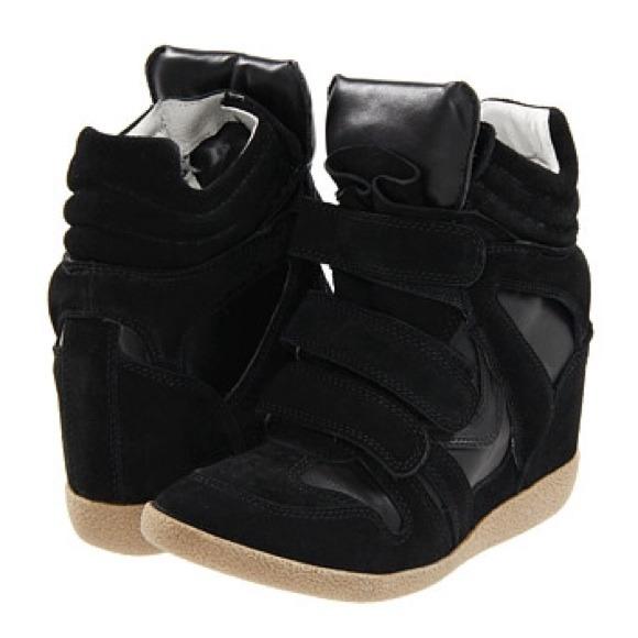 4233ac412e7 Steve Madden Hilight Wedge Sneakers. M 535d9adc30052740820f8e13