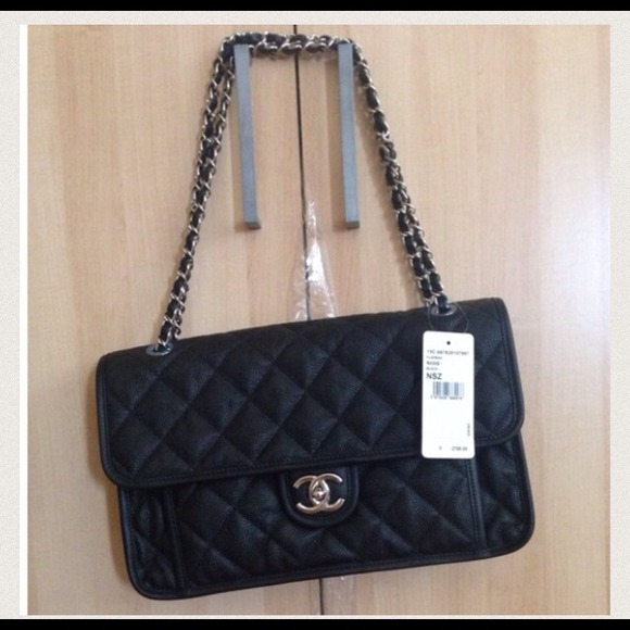 c8f58315b55e Chanel Authentic French Riviera Flapbag