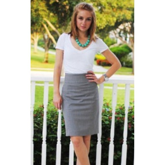 ba5348a07324 H&M Dresses & Skirts - H&M gray pencil skirt