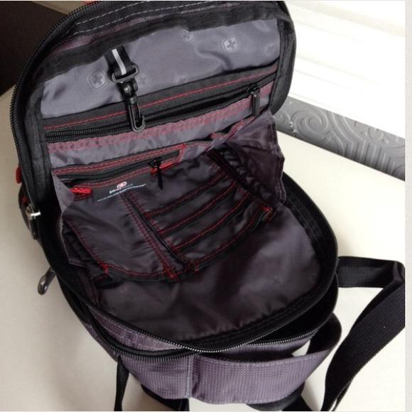 Swissgear Vertical Travel Bag Black Grey