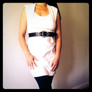 Dresses & Skirts - All white square cow neckline
