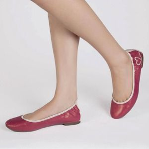 Imus Macabee Flats in Fuchsia Sizes 6-11