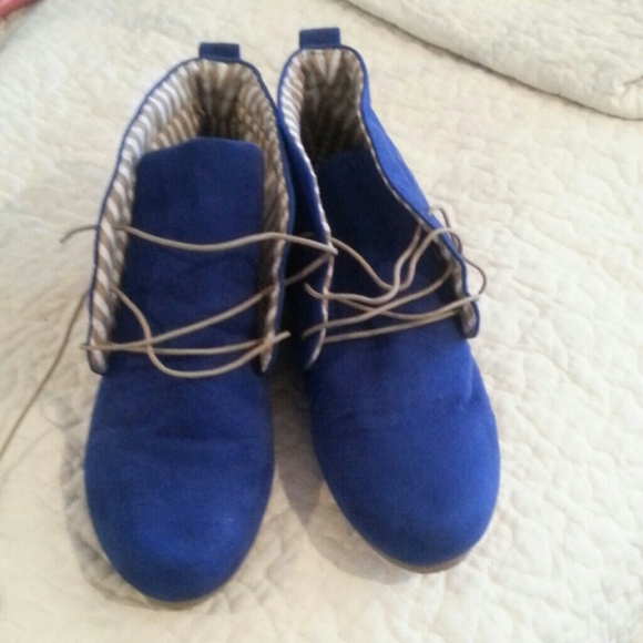 Nwot Royal Blue Suede Ankle Booties