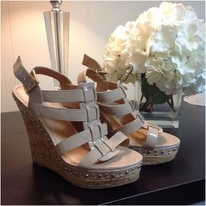 Steve Madden Nude Patten Leather Wedges