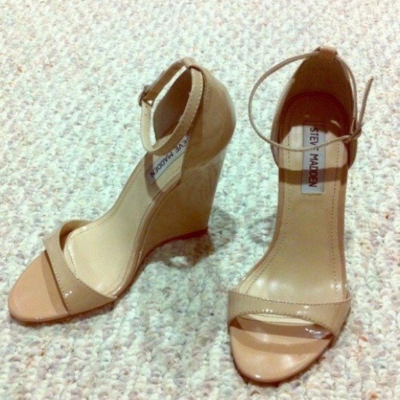 73% off Steve Madden Shoes - 🌟NEW LISTING!🌟 Sexy nude wedge high ...