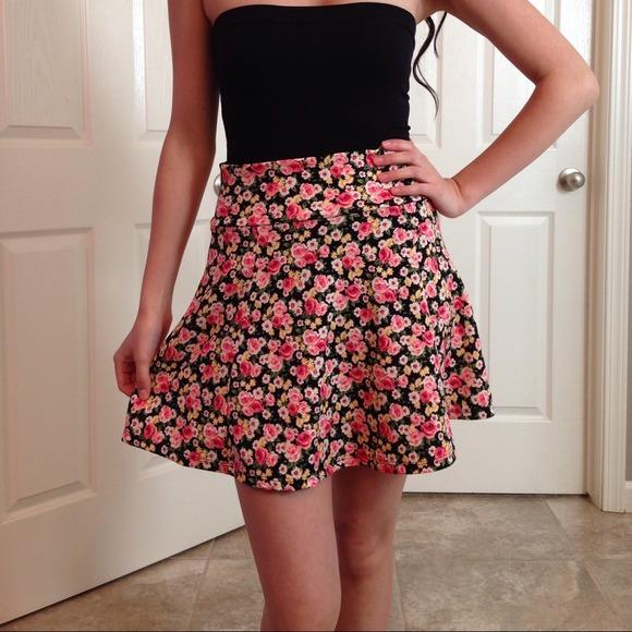 Skirts - NWT Floral Skater Skirt