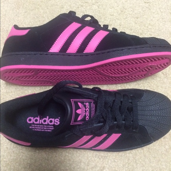 en lugar Pagar tributo obturador  adidas Shoes | Adidas Black Pink Shell Toes Shoes | Poshmark