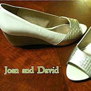 Circa Joan & David