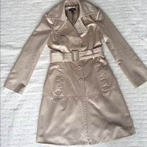 BEBE trench coat Small