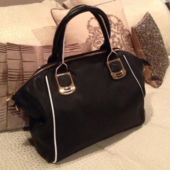 """Steve Madden Bags - Steve Madden """"BBANDIT"""" Handbag"""