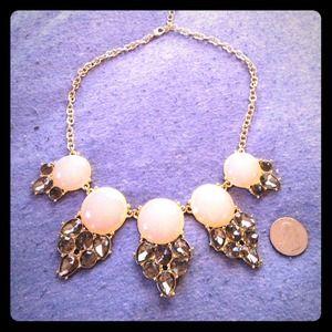 Jewelry - Stunning necklace!