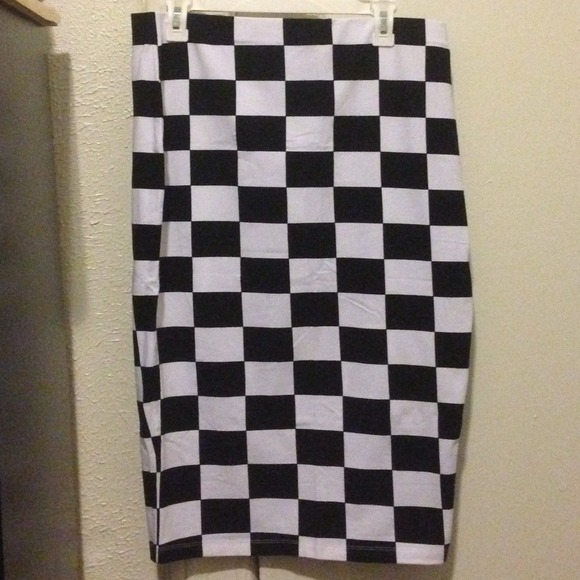 Black And White Checkered Pencil Skirt