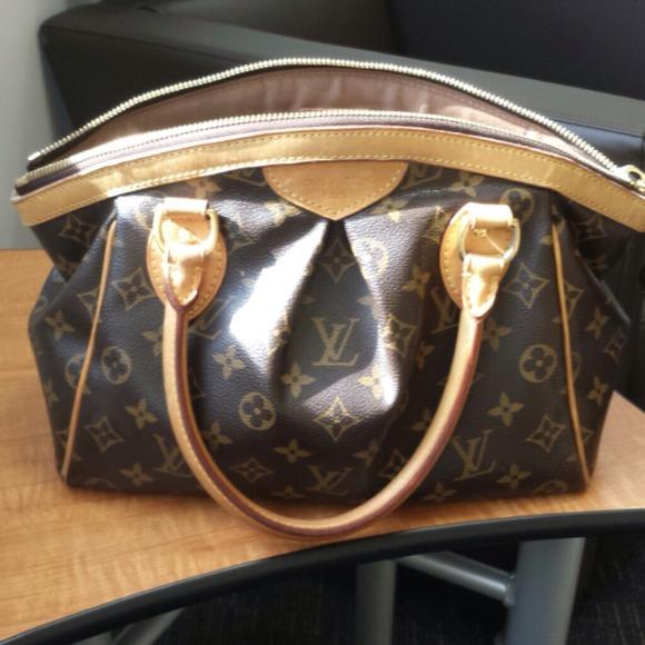 7a3f9feca2d8 Louis Vuitton Handbags - Authentic Louis Vuitton Tivoli PM