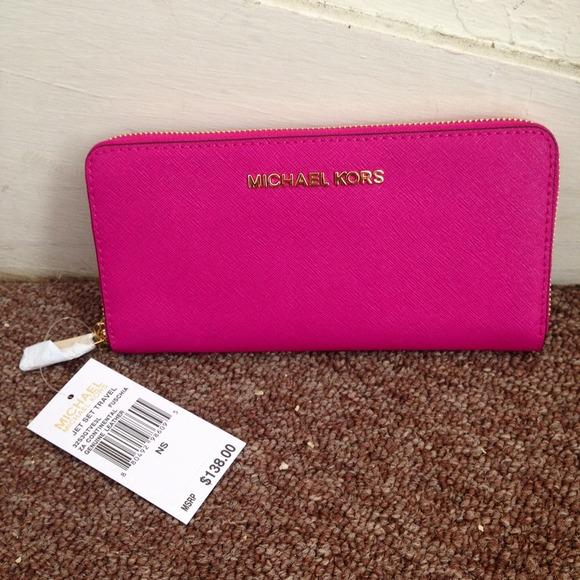 b45d30e6c448 Michael Kors Bags | Nwt Pink Wgold Jet Set Travel Wallet | Poshmark