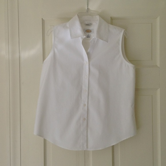 0bb3d6082668 Talbots white sleeveless blouse. M 536545bb018efa7b8b050310