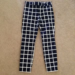 GAP Pants - BNWOT GAP Slim Cropped Grid pant
