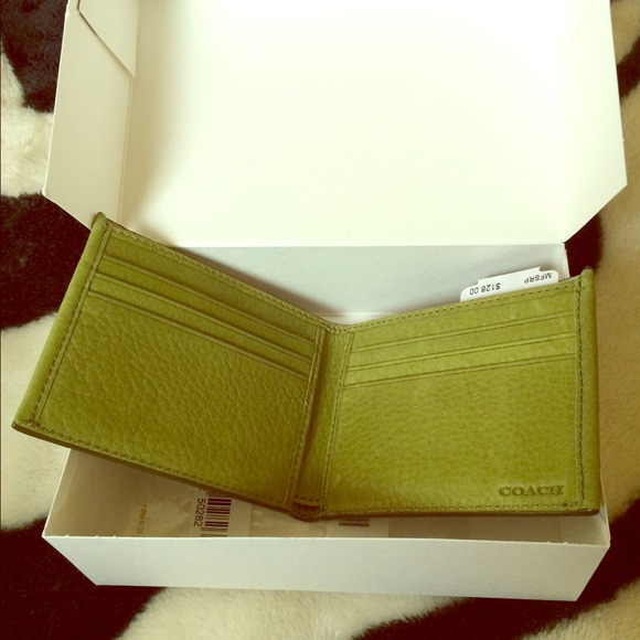 05692b2f Coach (mens wallet)💥TODAY ONLY $50💥 NWT
