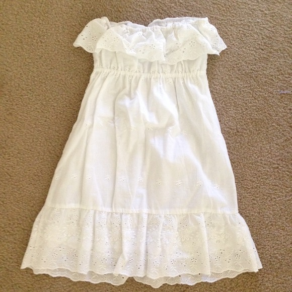 Forever 21 Dresses - Forever 21 White Eyelet Dress