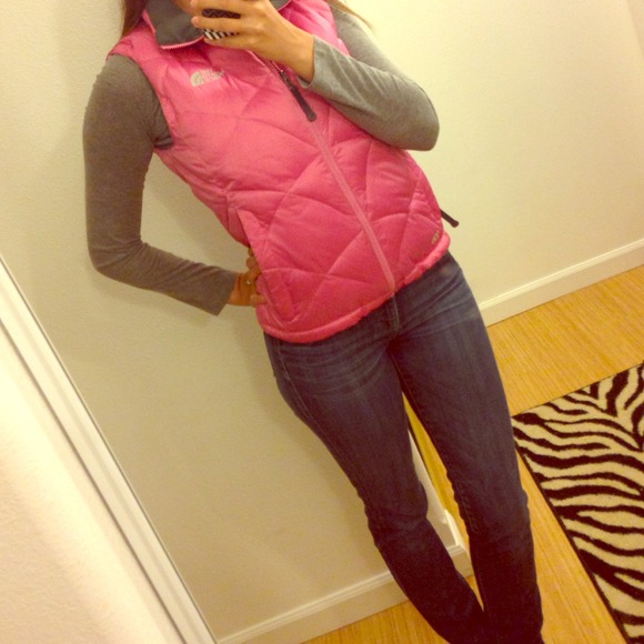 North Face Outerwear - North Face vest! 🎀