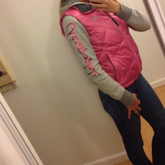 North Face Outerwear - North Face vest! 🎀 2