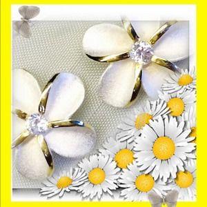 Jewelry - ✂️️price cut✂️ new .925 silver 🌸plumeria earrings