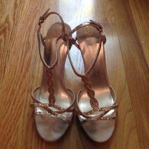 Ivanka Trump Shoes - Ivanka Trump t-strap gold glitter sandal