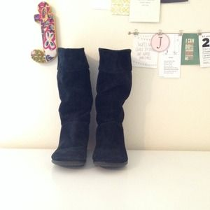 Black Suede Boots {waterproof}