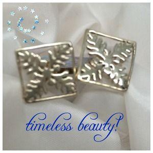 Jewelry - ✂️️price cut✂️🌺Sterling silver Hawaiian earrings