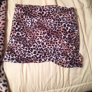 Leopard mini skirt !!