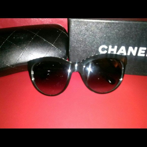 c27ef071d9d2 42% off CHANEL Accessories - New Photos!! ~Authentic Chanel Pearl Sunglasses  from