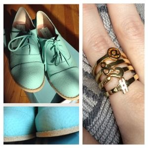 Jewelry - Bundle for lorigalloway - C Wonder Rings/Oxfords
