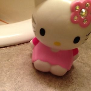 Hello Kitty Accessories - HELLO KITTY POWERBANK