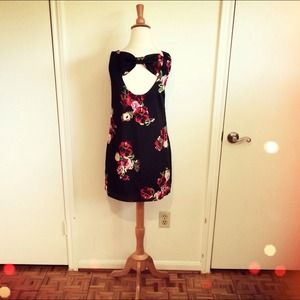 Dresses & Skirts - Black Red Floral Dress + Cut-Out Bow Back