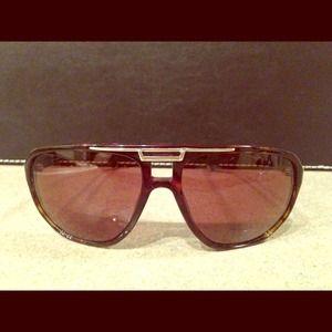 Dolce & Gabbana DG 4085 sunglasses