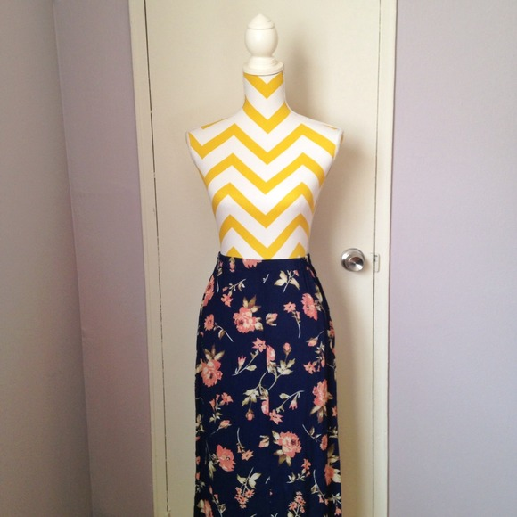 bcb056415547 Worthington Skirts   Vintage Navy Blue Floral Maxi Skirt   Poshmark