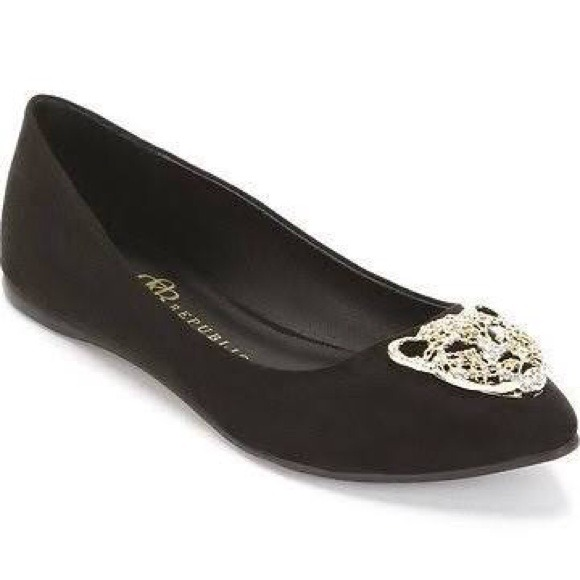 Rock & Republic Shoes - 🌟HOST PICK🌟BNWT Rock n Republic Fierce Flat