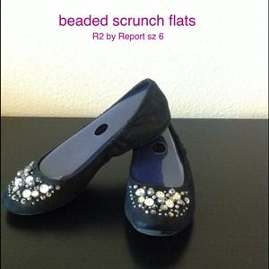 cute and comfy flats by R2 sz 6
